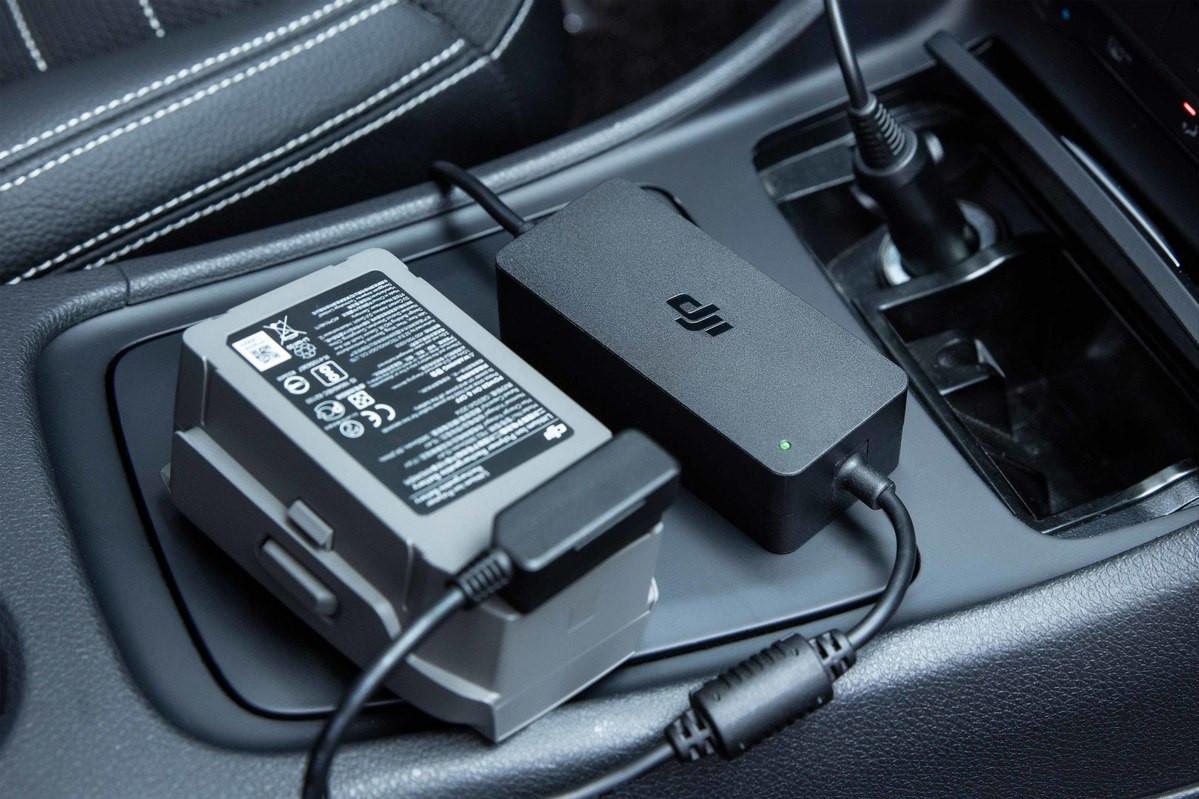 Mavic 2 car charger in gebruik